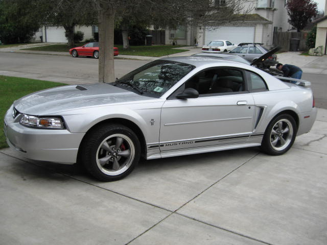 2001 ford mustang silver car autos gallery. Black Bedroom Furniture Sets. Home Design Ideas